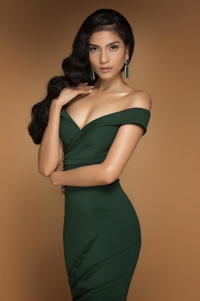 Người đẹp vốn dĩ nằm trong số các nhan sắc nói không với scandal và hoạt động bền bỉ trong làng giải trí.