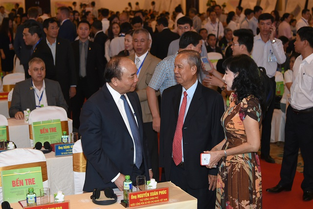 Thủ tướng gặp gỡ, trao đổi với các nhà đầu tư, các doanh nghiệp tại Bến Tre