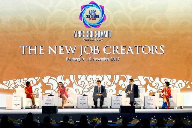 Doanh nhân APEC bàn về chuyện lo robot cướp công việc của con người - Ảnh 1.