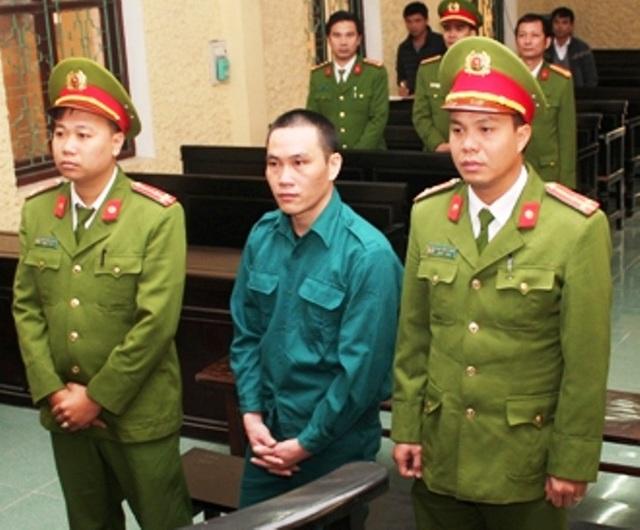 Bị cáo Lương Văn Thiên bị tuyên phạt án tử hình vì vận chuyển 5 bánh heroin với giá 20 triệu đồng (ảnh: Báo Ninh Bình)