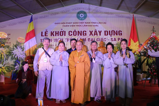 Phật tử Từ Tâm cùng nhóm đạo tràng Hà Nội, Hải Phòng.