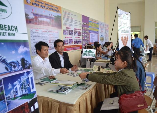 Quảng Trị: Tư vấn việc làm cho lao động trẻ - 2