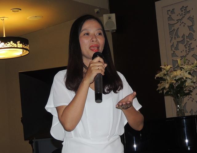 Tác giả cuốn sách về trẻ tự kỷ, Nguyễn Thị Việt Hà cũng là nhà giáo nói về sự cô đơn của trẻ tự kỷ trong gia đình và cả nhà trường