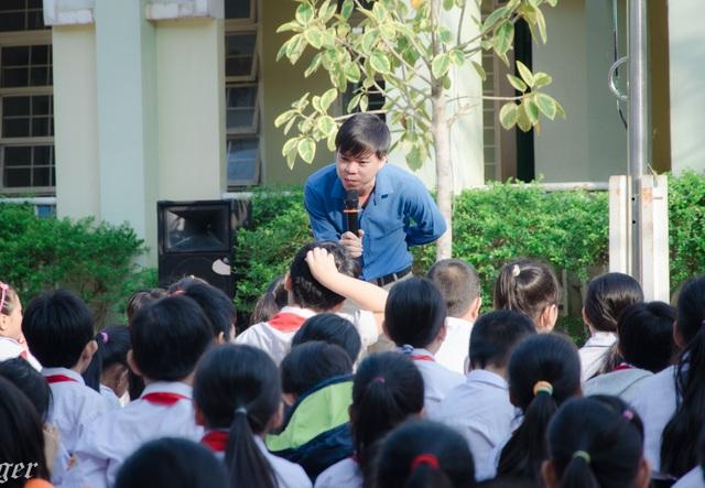 Chuyên viên tư vấn học đường ở TPHCM trong chuyên đề tư vấn cho học sinh
