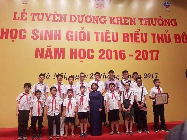 Đoàn học sinh giỏi tiêu biểu thủ đô của quận Hoàn Kiếm