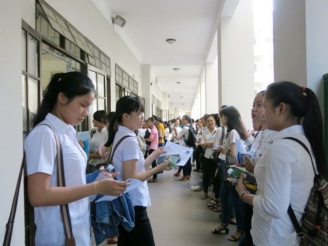 ĐH Sư phạm Đà Nẵng có khoảng 2.500 chỉ tiêu tuyển sinh ĐH, CĐ hệ chính quy năm 2017 (ảnh minh họa: thí sinh thi THPT quốc gia 2016 tại Đà Nẵng)