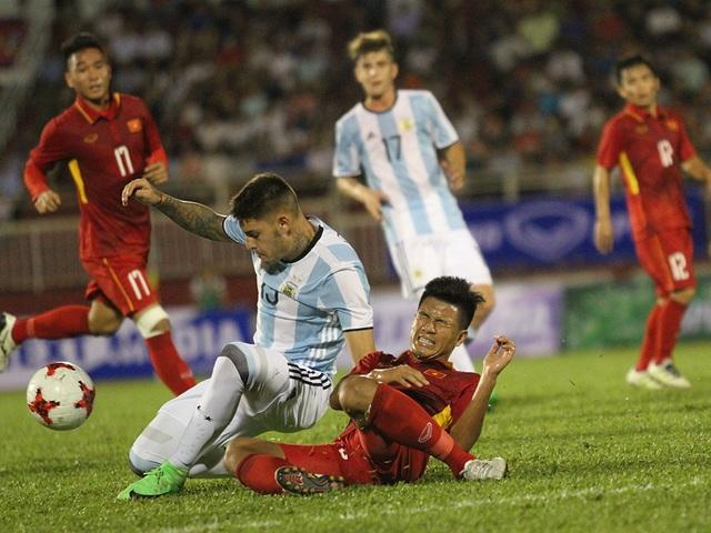U20 Argentina không sở hữu các ngôi sao nổi tiếng như các thế hệ đàn anh, nên khó thu hút người hâm mộ (ảnh: Trọng Vũ)