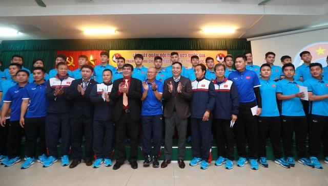 Buổi xuất quân của U23 Việt Nam tại trụ sở VFF vào sáng 29/12