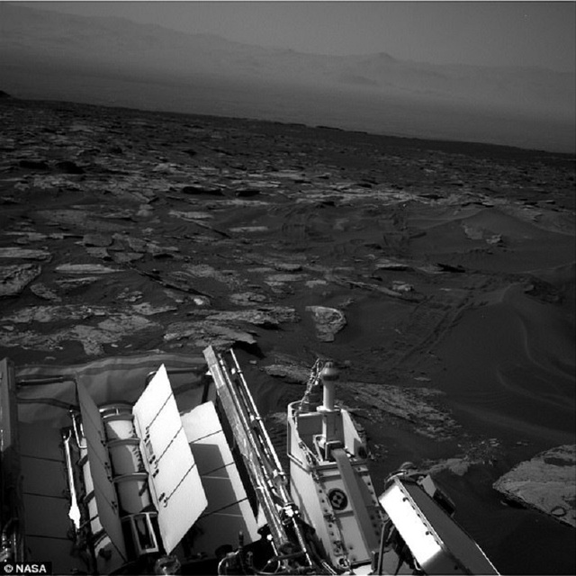 Phát hiện mới nhất ngày 9/5 trong một bức ảnh do tàu thăm dò Curiosity của NASA chụp lại.