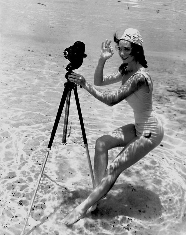 Đẹp ngỡ ngàng bức ảnh chụp dưới đáy đại dương từ 80 năm trước - 14