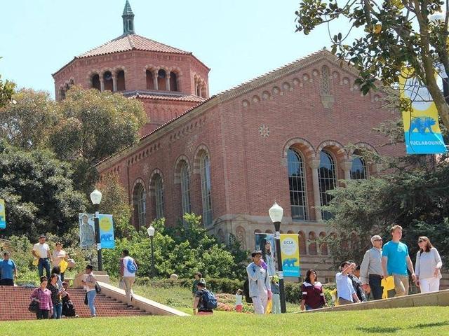 Đại học California - cơ sở Los Angeles.