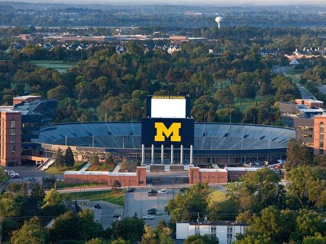 Đại học Michigan.