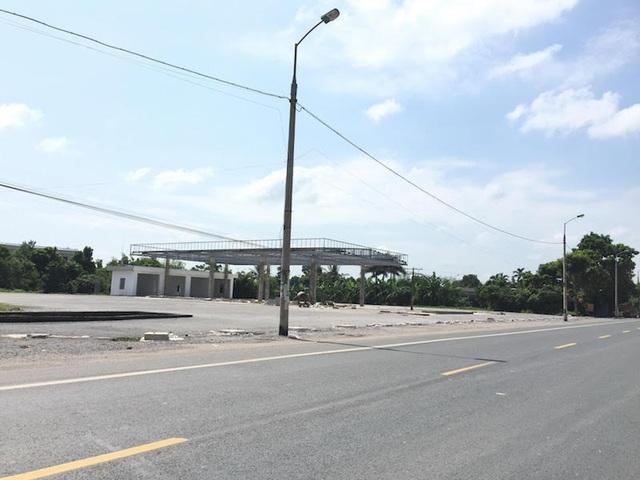 Và một cây xăng khủng có dấu hiệu đấu nối ra Quốc lộ hình thành. Dự án này đã được Sở Xây dựng tỉnh Bắc Giang cấp phép khi chưa hề có ĐTM.