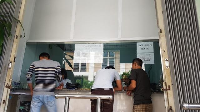 Người nghiện đến Trung tâm Phòng chống HIV/AIDS Khánh Hòa uống methadone mỗi sáng. Ảnh: H.Hải