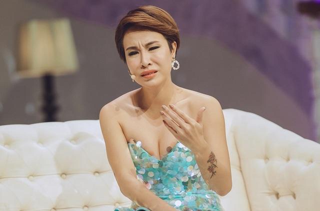 Tan vỡ mối tình 5 năm gắn bó với người cùng viết lên giấc mơ chung về âm nhạc, Uyên Linh luôn dành cho người cũ những lời chia sẻ thật lòng.