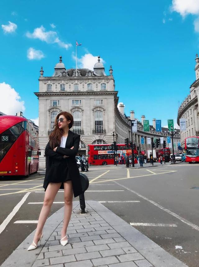 Nhan sắc của các hot girl Hà Nội đời đầu ngày ấy - bây giờ (phần 2) - 39