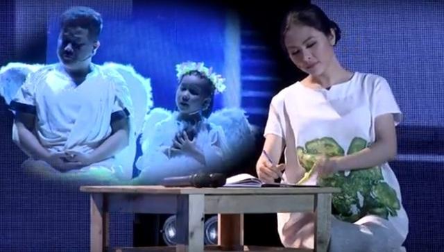 Diễn viên Vân Trang đồng ý trợ diễn cho tiết mục của cô bé Vĩ Dạ. Cô vào vai cô gái lỡ dại mang bầu, phải làm mẹ đơn thân, ngồi viết thư cho người mẹ đã khuất.