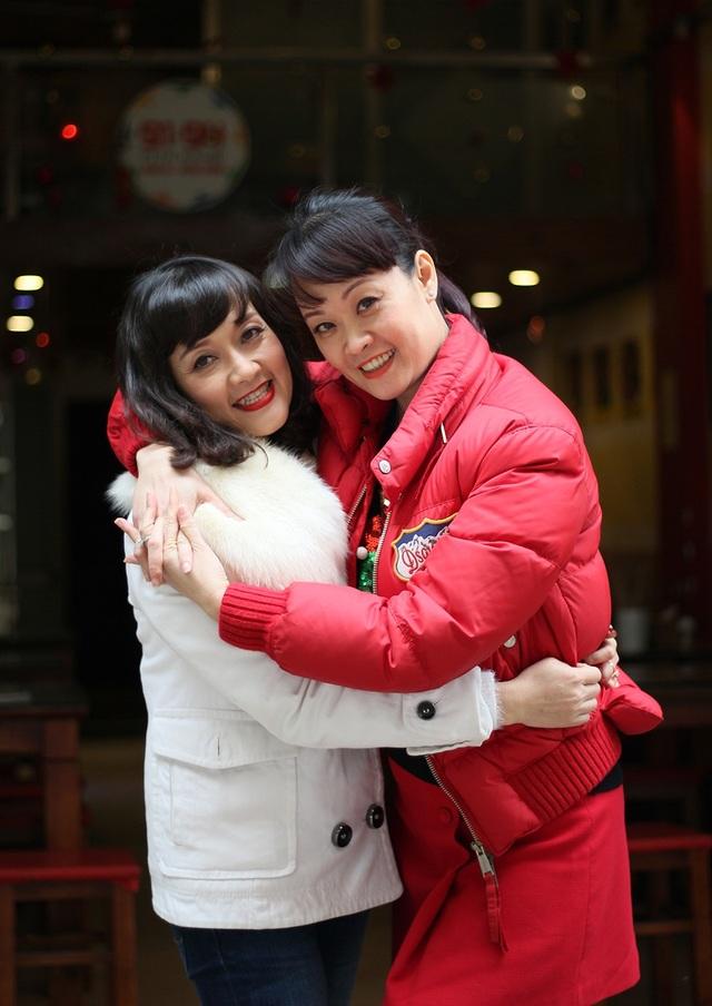 Chị gái Vân Trang tiết lộ biệt danh Dung lác của cô em gái.