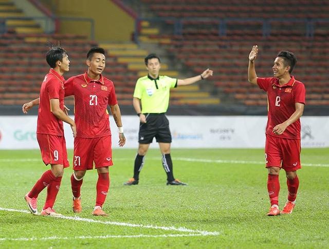 Văn Toàn và đồng đội quyết tâm đánh bại Indonesia tối nay