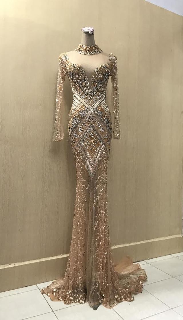 Cận cảnh trang phục của Hoa hậu Hoàn vũ Pháp chọn mặc trong đêm chung kết và đăng quang.