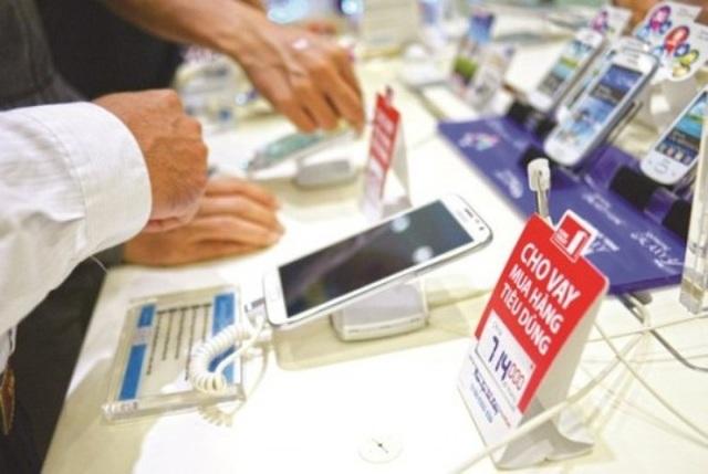 Khi không có khả năng chi trả theo đúng quy định trong hợp đồng, người tiêu dùng liên tục bị gọi điện, nhắn tin đòi nợ.