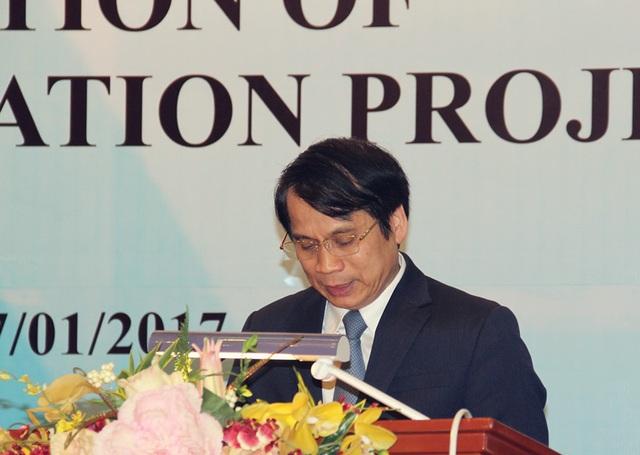 Thứ trưởng Bộ GD& ĐT Phạm Mạnh Hùng phát biểu khởi động dự án.