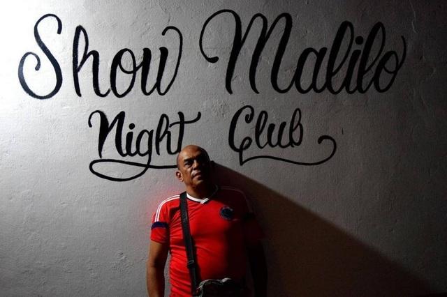 Gabriel Sanchez, 60 tuổi, trở thành chủ một nhà chứa ở Arauca, Colombia sau khi mất việc tại một cửa hàng sửa chữa ô tô ở Venezuela. (Nguồn: Jim Wyss, Miami Herald)