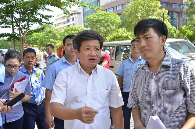 Ông Đoàn Ngọc Hải nói lý do không đập bậc thềm toà nhà UBND TPHCM