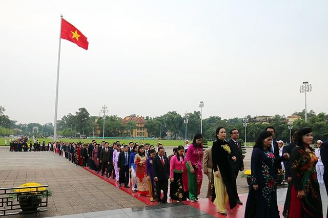 Lãnh đạo Đảng, Nhà nước vào Lăng viếng Chủ tịch Hồ Chí Minh - 5