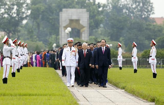 Lãnh đạo Đảng, Nhà nước vào Lăng viếng Chủ tịch Hồ Chí Minh - 7