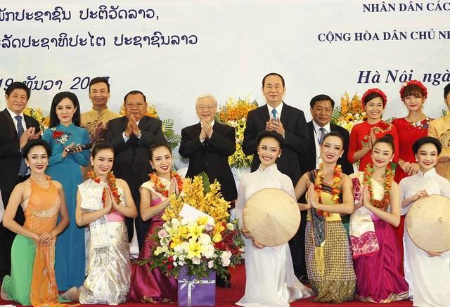 Gìn giữ, phát huy mối quan hệ hiếm có Việt Nam - Lào mãi mãi vững bền - 1