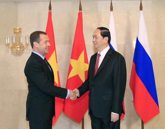 Tiếp tục chuyến thăm chính thức Liên bang Nga, sáng 29/6/2017, tại Thủ đô Moskva, Chủ tịch nước Trần Đại Quang hội kiến Thủ tướng Chính phủ Liên Nga D. Medvedev. Ảnh: Nhan Sáng-TTXVN