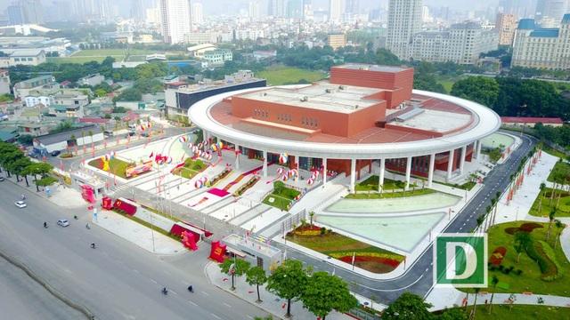 Cung hữu nghị gồm ba khu A, B và C. Khu A ở giữa là nhà hát với chức năng chính là tổ chức hội nghị kiêm biểu diễn nghệ thuật.