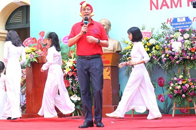 """Thầy Hiệu trưởng trường Việt Đức hóa """"gà trống"""" tiếp lửa năm học mới - 4"""
