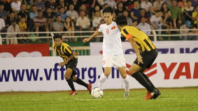 Văn Toàn nhân đôi cách biệt lên 2-0 cho U23 Việt Nam trước Malaysia