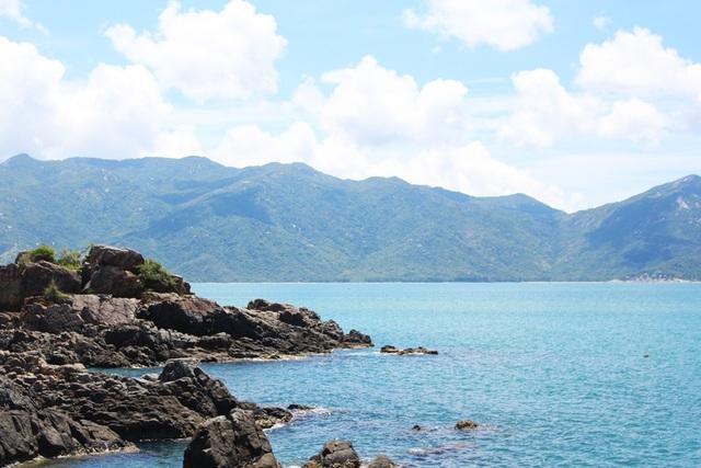 Nhiều người không khỏi ngỡ ngàng trước vẻ đẹp đảo Hòn Lao, thuộc Nha Phu