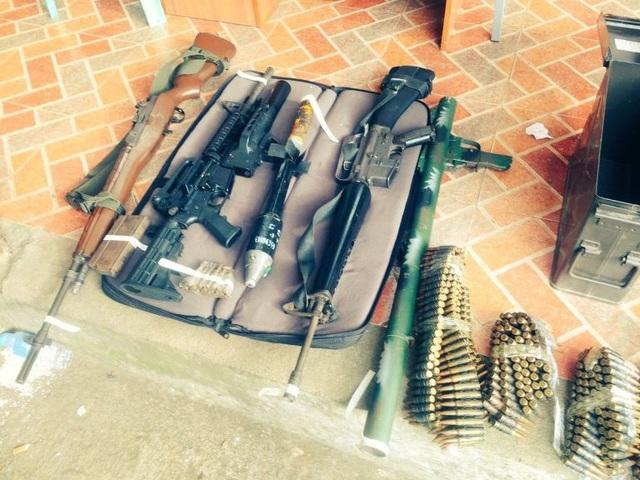 Một số vũ khí quân đội Philippines thu giữ được của phiến quân Hồi giáo tại Marawi, trong đó có súng chống tăng RPG-2. (Ảnh: Twitter)