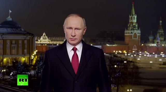 Tổng thống Vladimir Putin gửi thông điệp chúc mừng năm mới 2017 hôm 31/12 (Ảnh: RT)