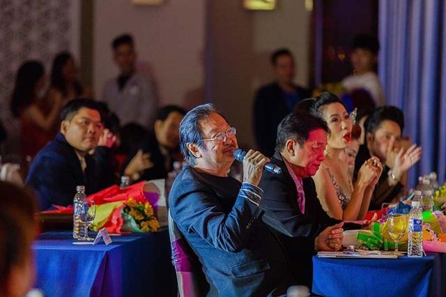 Anh được đánh giá cao từ 2 giám khảo có kinh nghiệm dày dạn về diễn xuất là NSƯT Nguyễn Chánh Tín và NSƯT Trịnh Kim Chi. Trước cách diễn của Vũ Mạnh Cường, đạo diễn Nguyễn Chánh Tính dành điểm 10 tuyệt đối.
