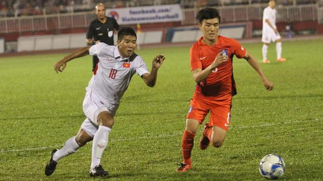 Hà Đức Chinh chơi khá nhạt nhòa ở trận đấu này