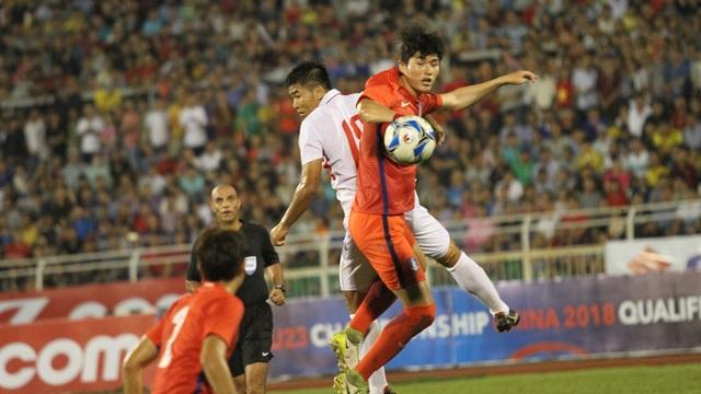 U22 Việt Nam nỗ lực tìm kiếm bàn thắng ở hiệp 2