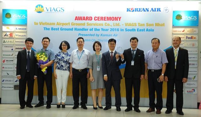 VIAGS - Vietnam Airlines nhận danh hiệu chất lượng dịch vụ tốt nhất khu vực Đông Nam Á ngày 22/3