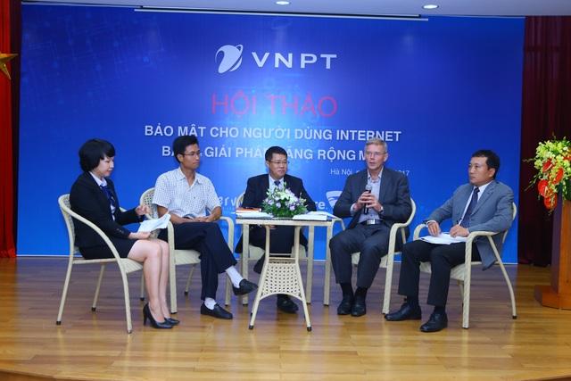 Hội thảo Bảo mật cho người dùng Internet diễn ra tại Hà Nội.