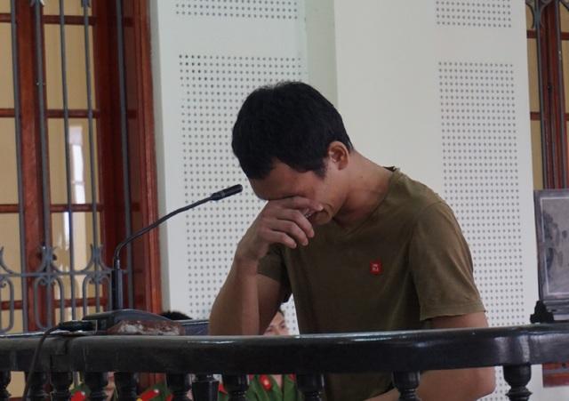 Võ Hữu Ba bật khóc tại phiên tòa