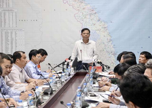 Bộ trưởng Nguyễn Xuân Cường chủ trì cuộc họp.