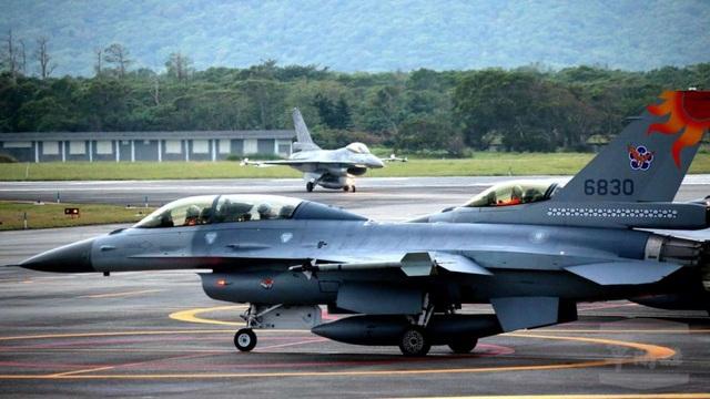 Các máy bay chiến đấu F-16 của Đài Loan (Ảnh: EPA)