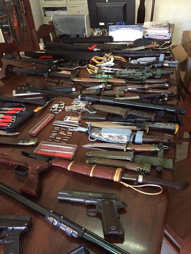 Số vũ khí được phát hiện tại nhà Viên