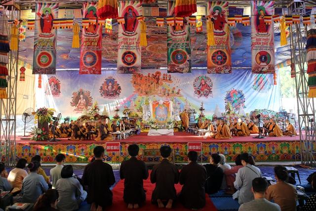 Những khoảnh khắc xúc động trong lễ Vu Lan ở Tây Thiên - 14