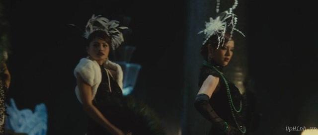 Từng chia sẻ tham gia phim Shanghai với 1 trong 3 vai nữ chính, thế nhưng khi ra mắt chỉ lướt qua màn ảnh nhưng Vũ Thu Phương không thể giải thích vì lý do tế nhị. Cô cho biết có lúc mình cũng muốn tìm đến cái chết vì khủng hoảng nhưng cuối cùng cô cũng vượt qua được.
