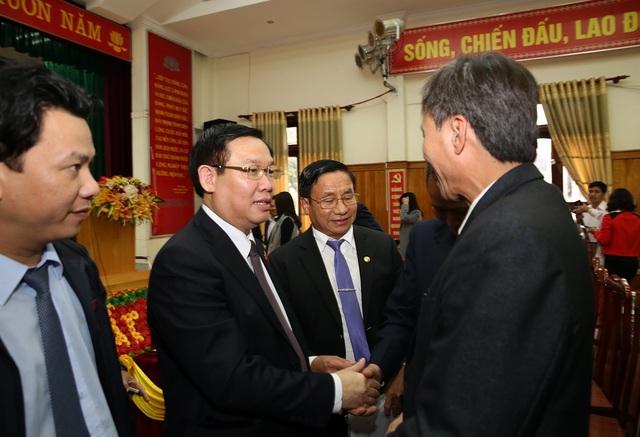 Phó Thủ tướng Vương Đình Huệ tiếp xúc cử tri tại Đức Thọ, Hà Tĩnh sáng 4/12.
